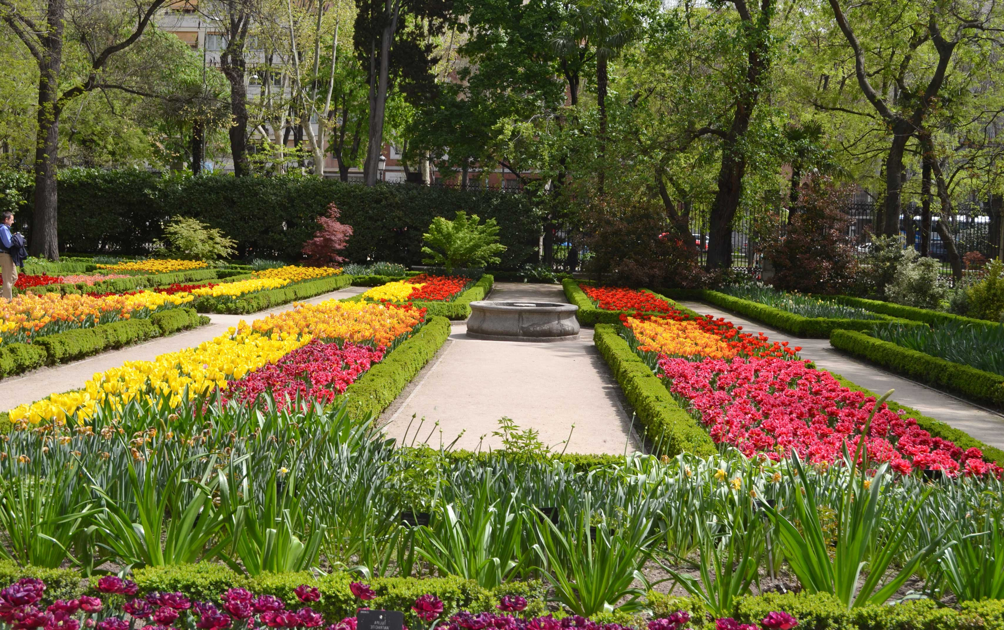 Los cinco jardines de madrid centro imprescindibles - Jardines de madrid ...